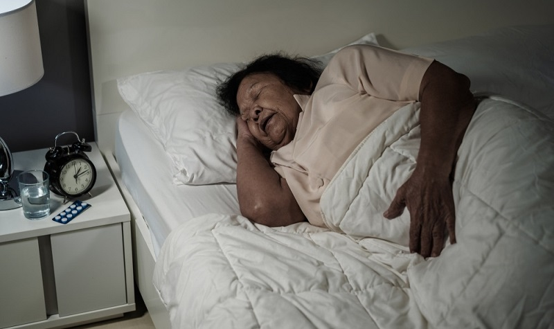Für die pflegenden Angehörigen stellt es eine große Entlastung dar, wenn die Betroffenen einen Teil ihrer Zeit in einer spezialisierten Einrichtung verbringen.