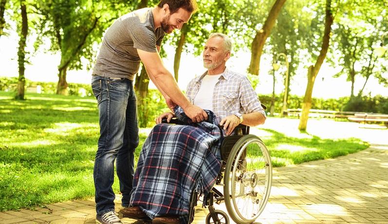 Wenn eine Person pflegebedürftig wird, dann ist es notwendig, bei der Pflegeversicherung einen Antrag auf Unterstützung zu stellen.
