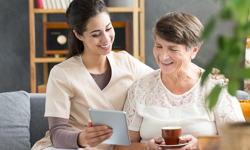Wenn eine Person in den Pflegegrad 1 eingestuft wird, hat das nicht nur Auswirkungen auf Pflegehilfsmittel und Unterstützung bei der Betreuung.