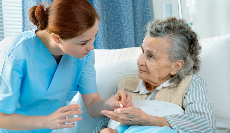 Die Pflegedienste rechnen diese Sachleistung direkt mit der Versicherung ab. Wenn Sie den Betrag für die Pflegesachleistungen nicht voll ausschöpfen, erhalten Sie den entsprechenden Anteil des Pflegegeldes ausbezahlt.